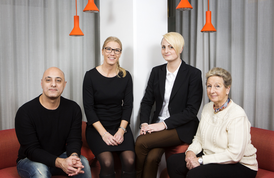 Sepehr Zanjani, resursläkare, Jenny Lundström, vd, Vanja Engvall, konsultchef och Görel Ekelund, resursläkare hos Dedicare Doctor. Foto: Johan Marklund