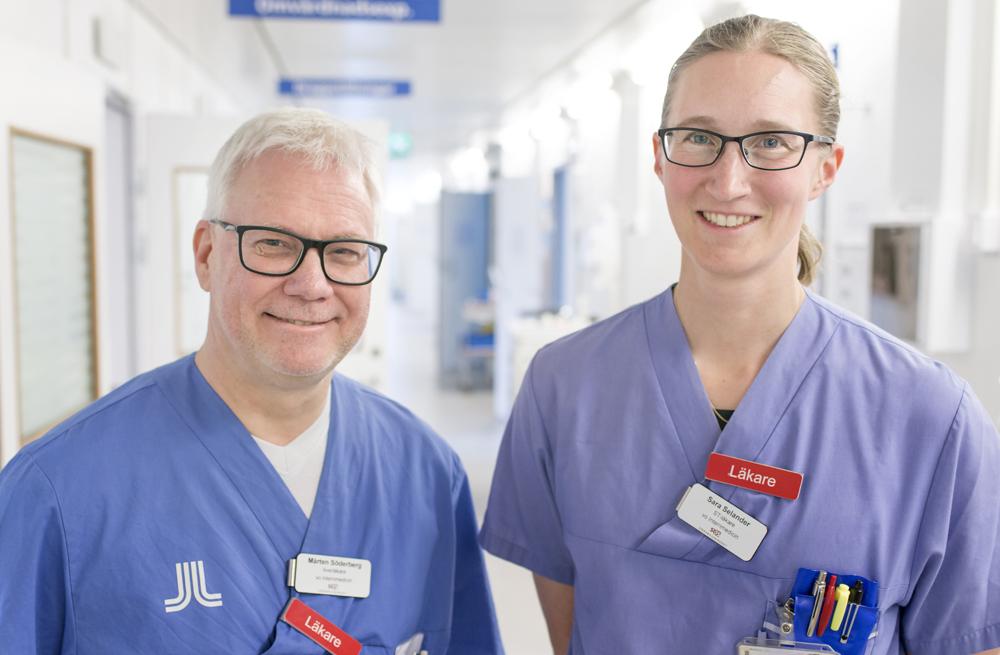 Mårten Söderberg, överläkare inom internmedicin och Sara Selander, ST-läkare med inriktning på internmedicin på Södersjukhuset i Stockholm.