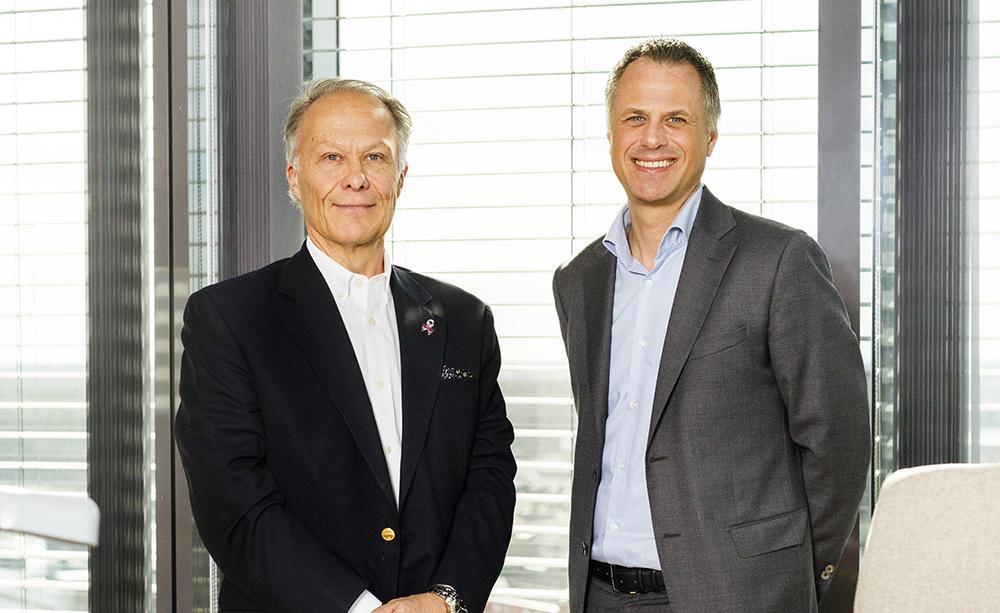 Peter Myrenfors, medicinsk direktör på Ipsen Norden och Joachim Handin, Nordic Business Unit Director Oncology. Foto: Gonzalo Irigoyen