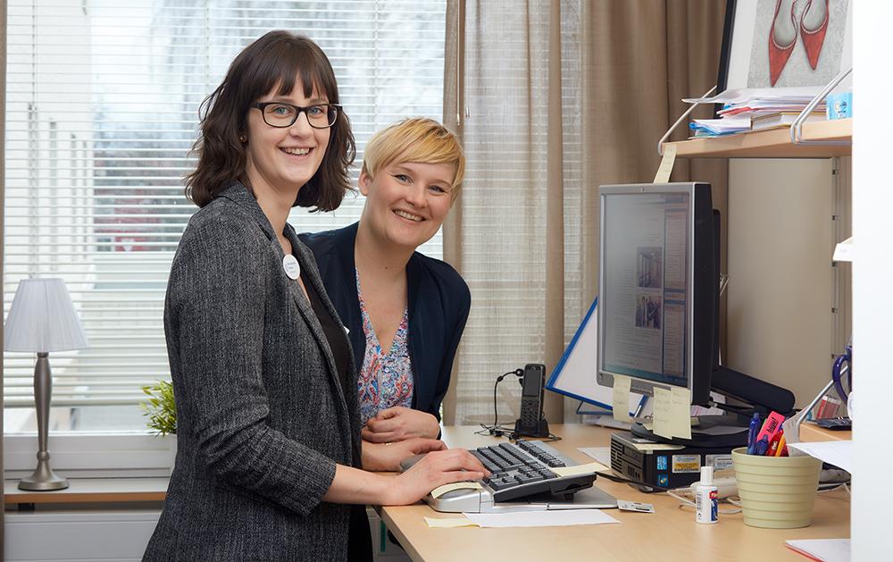 Sara Karlström, ST-läkare och Linda Rickardsson, vårdenhetschef på den psykiatriska mottagningen vid Lasarettet i Motala. Foto: Anders Malm