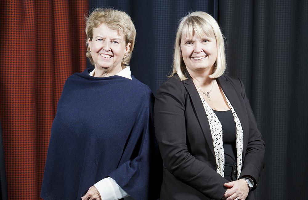 Anna Maria Langkilde och Cecilia Karlsson arbetar båda inom forskning och utveckling av nya diabetesläke-medel på AstraZeneca i Göteborg. Foto: Patrik Bergenstav