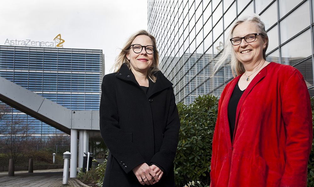 Catharina Lindholm och Christina Inna Stahre tycker att möjligheterna på AstraZeneca är fantastiska. Foto: Patrik Bergenstav