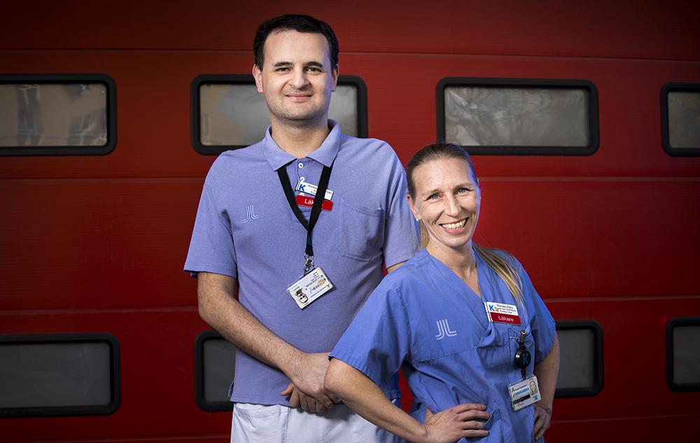 Wessam El Ghoul, ST-läkare inom akutsjukvård och Therese Djärv, specialist i internmedicin och akutsjukvård på Karolinska Solna. Foto: Johan Marklund