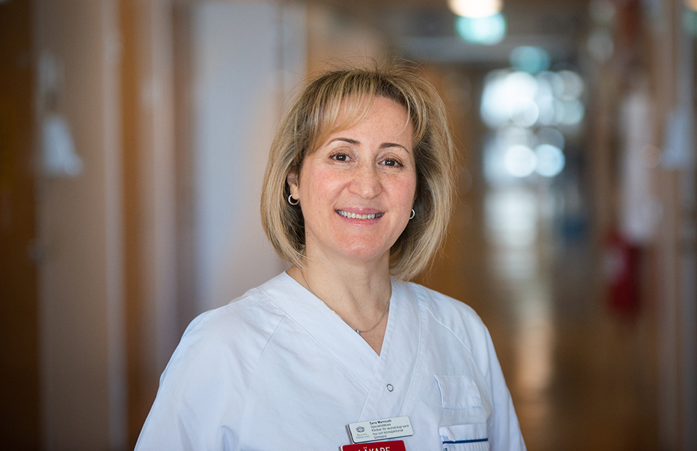 Sana Marroush, specialistläkare vid Kliniken för reumatologi samt hud- och könssjukdomar Sörmland. Foto: Andreas Sander