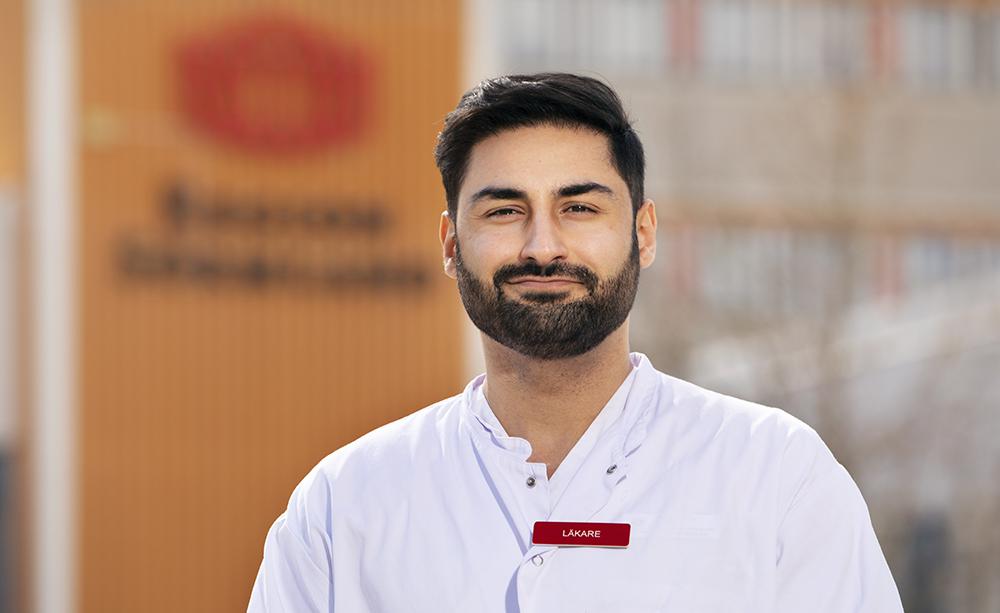 Arash Ghahraman, ST-läkare vid Kliniken för reumatologi samt hud- och könssjukdomar Sörmland. Foto: Emelie Otterbäck