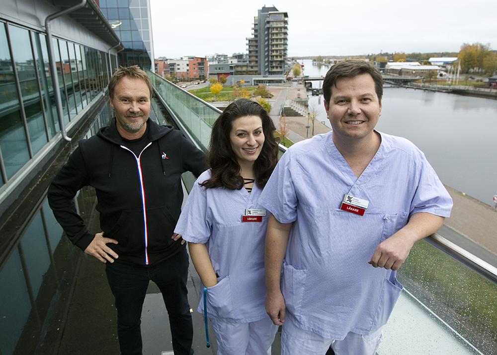 Torbjörn Eriksson, vårdenhetschef, Alexandra Fisch, specialistläkare i dermatologi och Antoni Lesniak, allmänspecialist på Gävle Strand Hälsocentral.